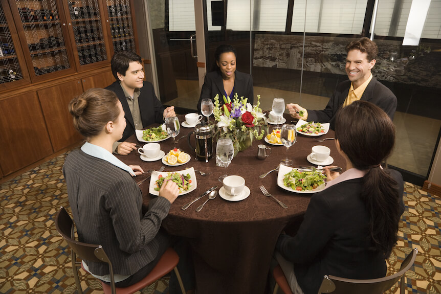 National search candidate has dinner with consultants.